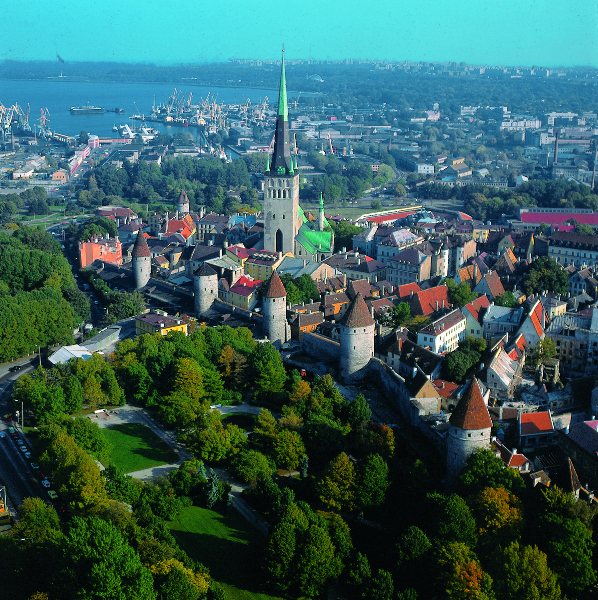 Medieval old town of Tallinn by Taavi Grepp